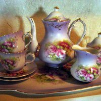 Lavender Pitcher, cups & plate